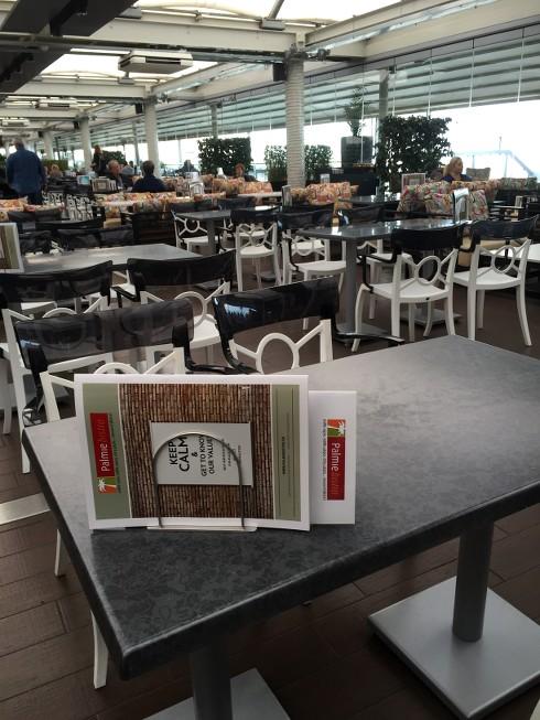 b31b9b11742 ... παρέχοντας για το κοινό μας ένα ξεχωριστό περιβάλλον που συνδυάζει  φιλική και μοντέρνα ατμόσφαιρα, απολαυστικό φαγητό και καθόλα προσιτές  τιμές.
